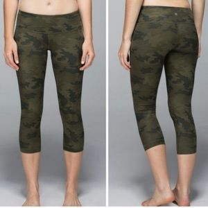 RARE Lululemon wunder under crop leggings